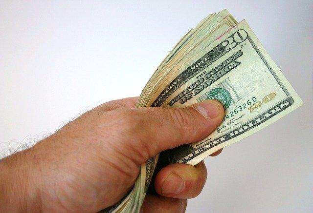 dolary v ruce.jpg