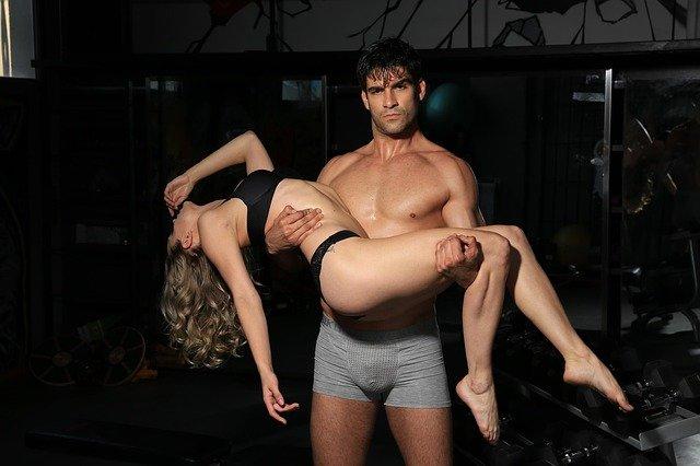 sexy muž a žena.jpg