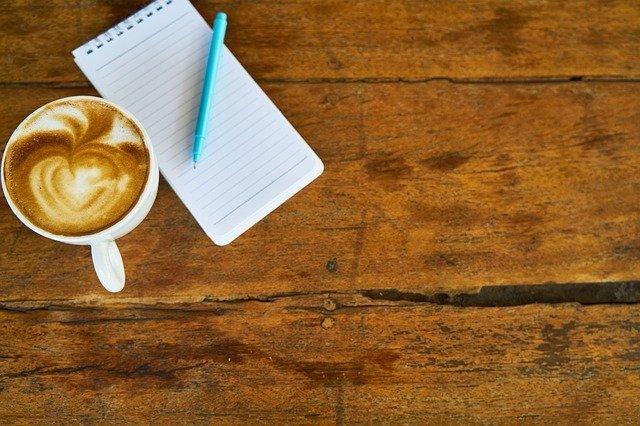 cappuccino a zápisník
